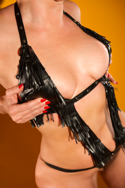 Leather Clad Busty Blonde Babe Gia Available For Liverpool Outcalls NOW!